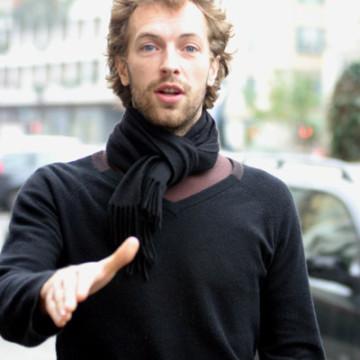 Milano 2005    Il cantante dei Coldplay Chris Martin a spasso per il centro