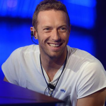 2909402-chris-martin-coldplay-sur-le-plateau-d-950×0-1