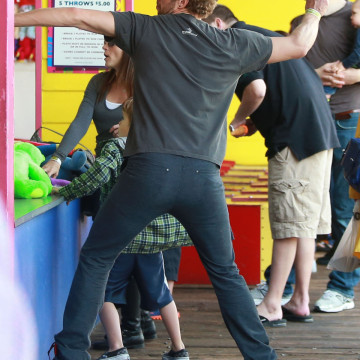 Exclusive… Chris Martin Takes The Kids To The Santa Monica Pier