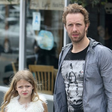 Chris Martin takes his kids for ice cream in LA