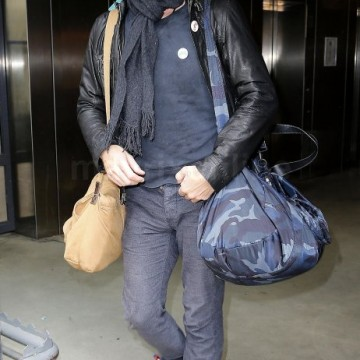 Chris Martin Paris Arrival