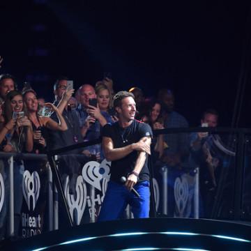 Chris+Martin+2015+iHeartRadio+Music+Festival+ke9m_UZWSqPl