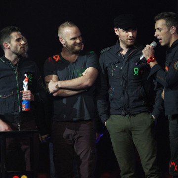 Chris+Martin+Jonny+Buckland+BRIT+Awards+2012+haJNF3TOfXPx