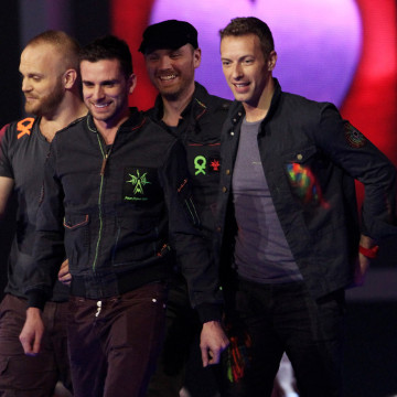 Chris+Martin+Jonny+Buckland+BRIT+Awards+2012+m1txoIPa6aDx