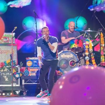 Coldplay-AMA-e1448324183253-1500×855